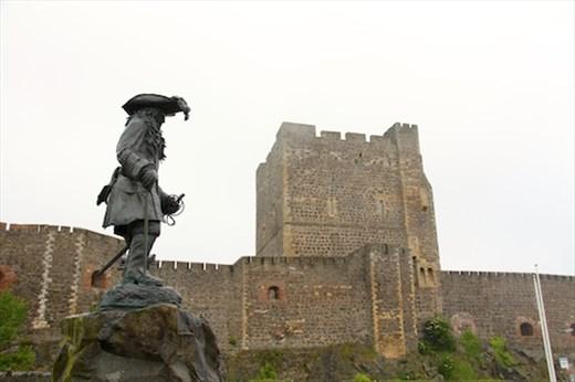 King William and Carrickfergus Castle