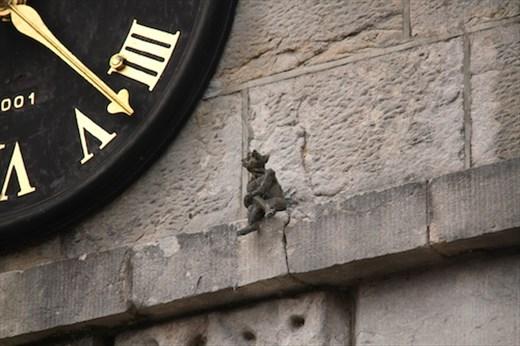 Street sculpture, Armagh - Tempus fugit
