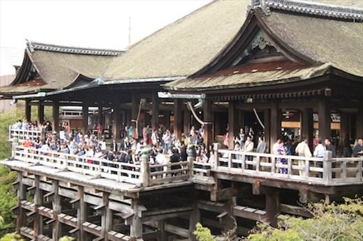 Kiyomizu-dera, it's a popular place, Kyoto