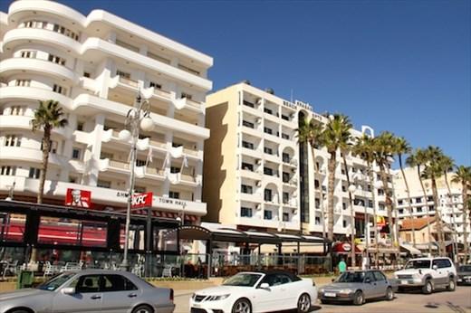 Corniche, Larnaka