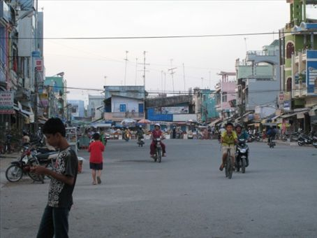 The rush-hour grind in Vinh Chau