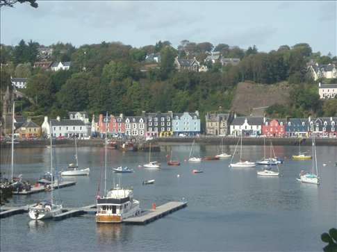 tobermory (the hostel is the bright red one)