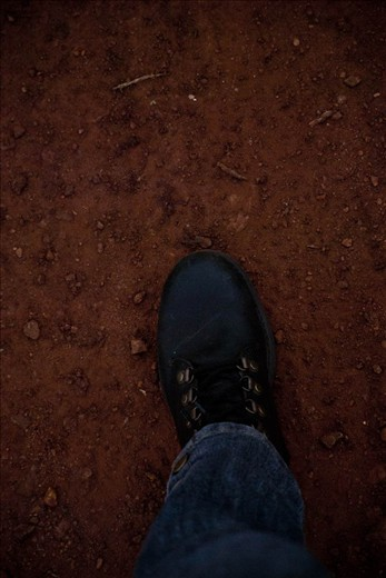 First steps in African red soil, just remind me of the reddish soil of Misiones, Argentina.  For first time in 25 years I had the opportunity to fly away from home, and heading to an amazing destiny such as Southafrica. Also, I got the chance to meet long distance relatives and feel the vibe of this incredible continent living for ten days in their farm near Piet Retief, Mpumalanga.