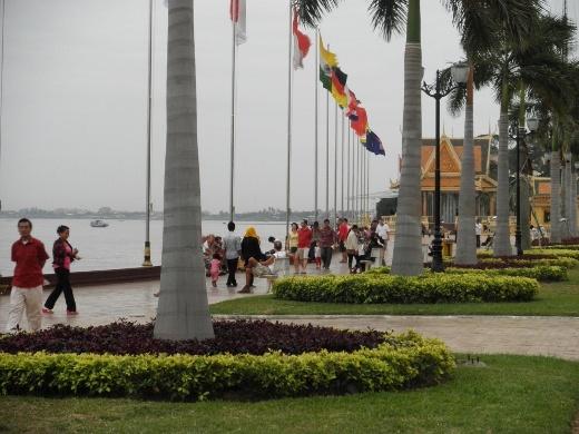 Riverside, downtown Phnom Penh