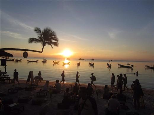 Sunset at Lotus Bar Sairee Beach, Koh Tao
