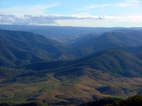 The high pass through the Great Dividing Range, along Thunderbolt's Way