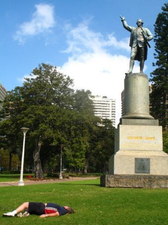 It say on this monument to the late Captain Cook that he died on such and such a beach in Hawaii - ably demonstrated by this chap here in Hyde Park Sydney, who indeed looks very dead to me.