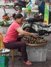 Fruit vendor HCMC: by wendyandkevin, Views[187]