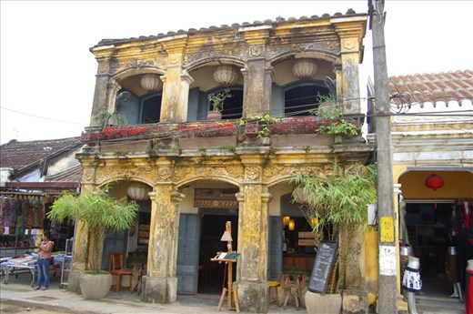 Beautiful French Colonial buildings in HoiAn