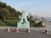I think this stands for water, but this icon is everywhere around the city and says Shanghai expo 2010.  Not sure what he stands for.: by wi-niko, Views[175]