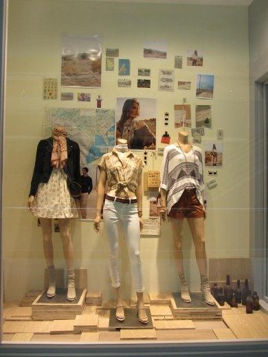 High fashion window display-Club Monaco