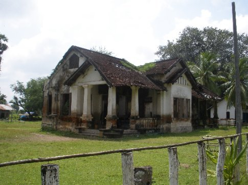 The remains of a French colonial house on Don Khone.