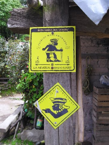 Zapotec route markers