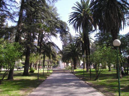 One of Mendozas many plazas.