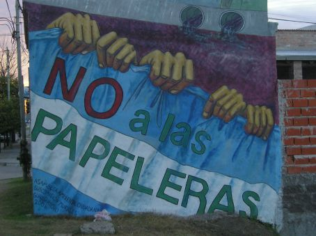 A mural on the Argentine side of the Rio Uruguay, protesting against the pulp mill.