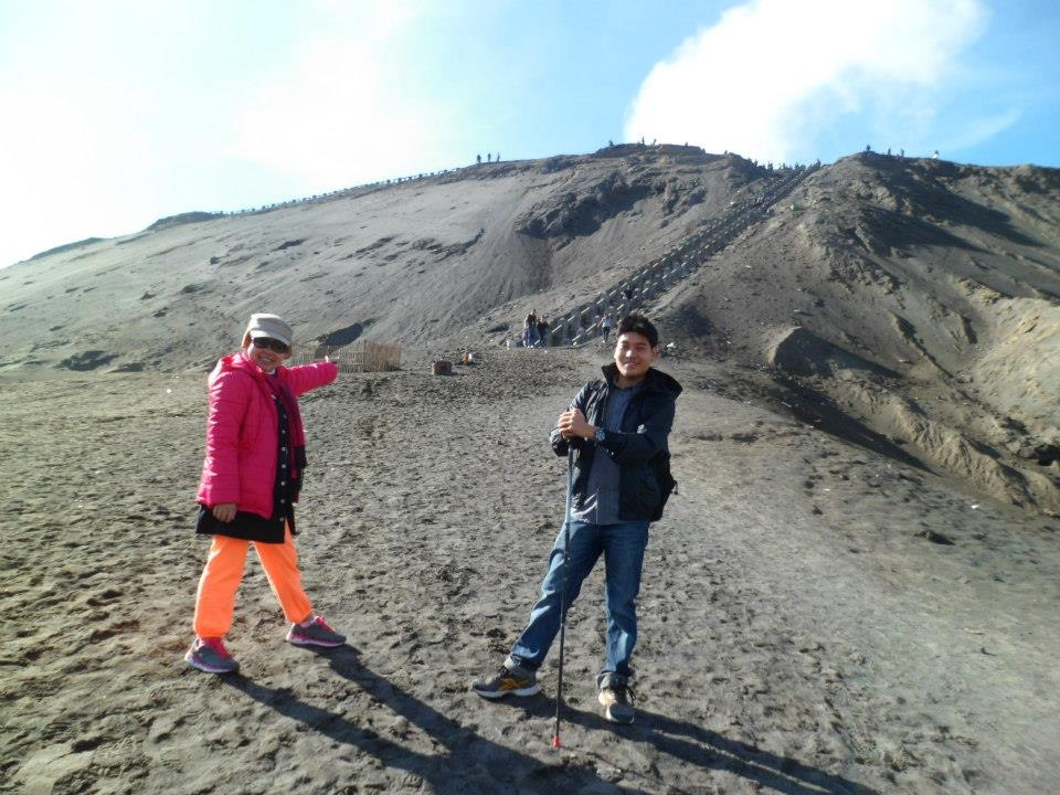 Full of spirit to conquer 250 stairs to see Bromo Crater. Since the beginning, both of my trip participants has shown their high spirit for catching the beauty of the crater directly. What they need to do is stepping one by one those stairs!