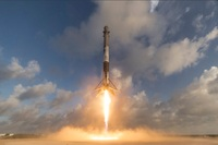 Falcon-9-first-stage-landing