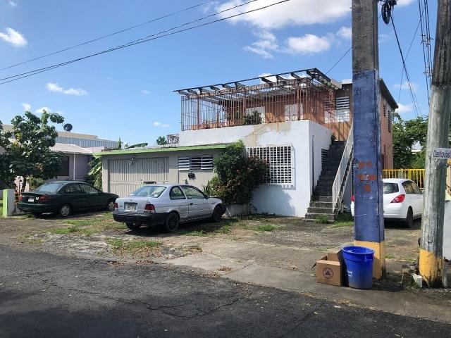 Urb. Villa Nevarez #1032 Calle 10
