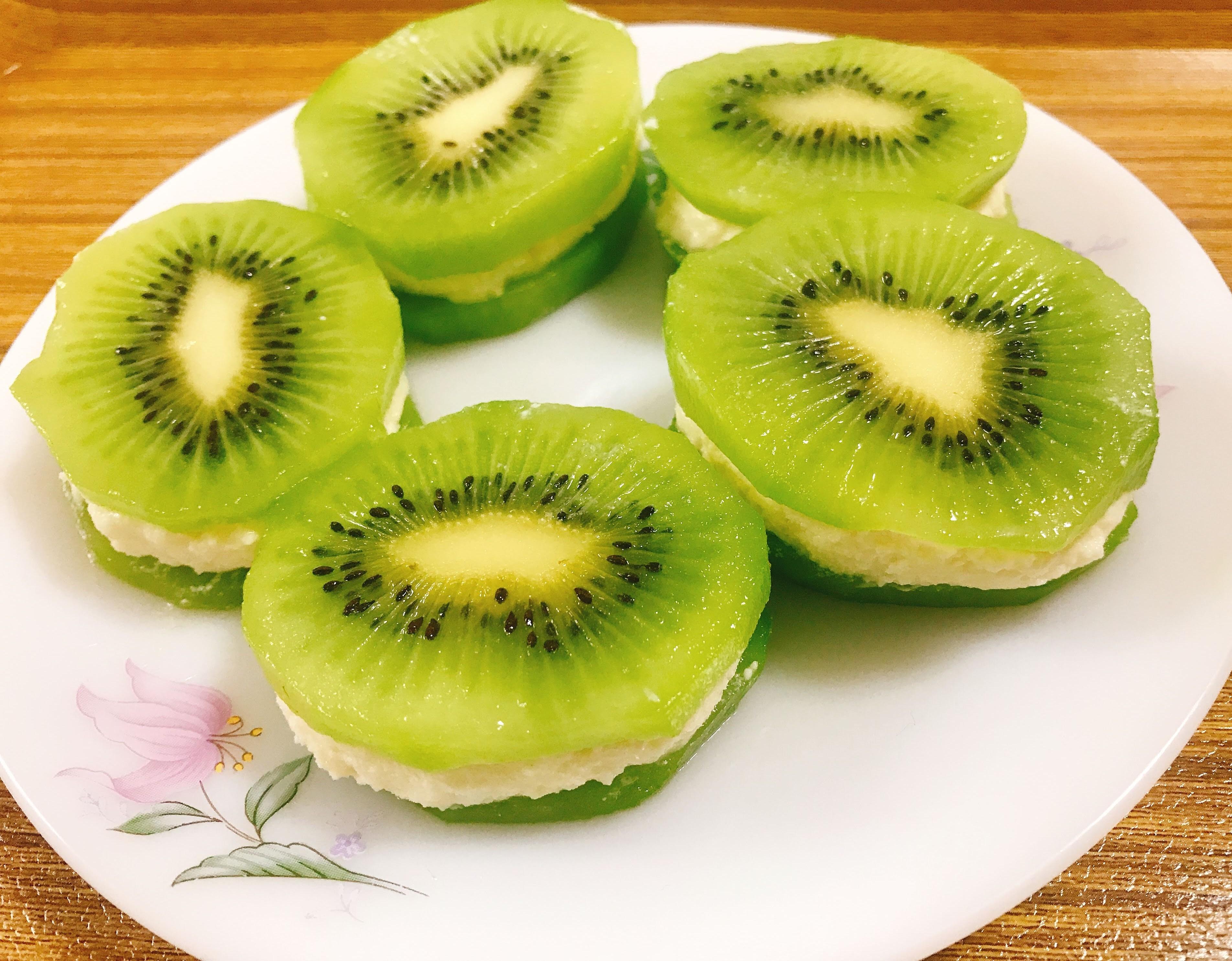 Kiwi Sandesh