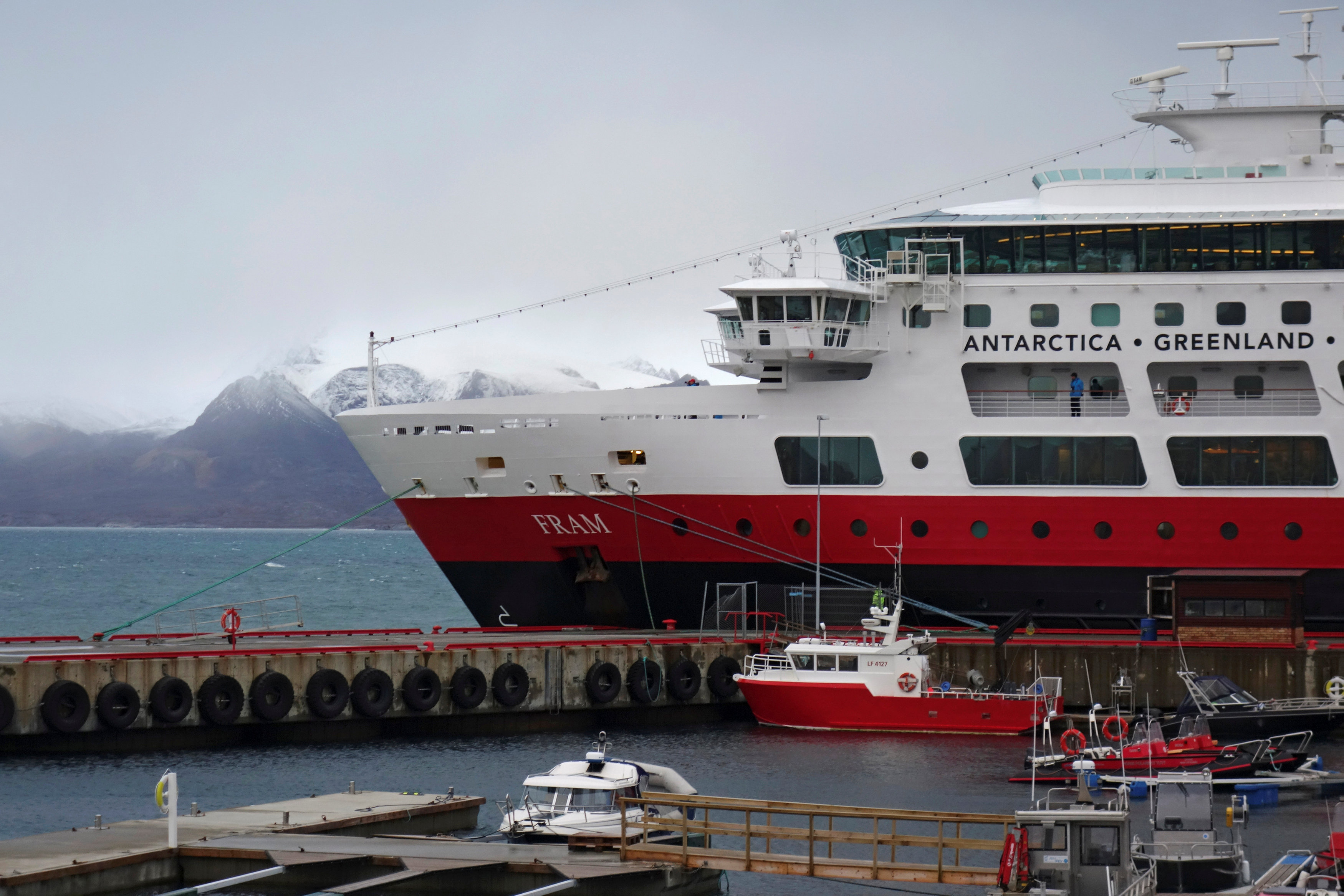 A tourist cruise ship is docked at the port of research town Ny-Aalesund in the Arctic archipelago of Svalbard, Norway, on Sept. 21, 2016. (Gwladys Fouche / Reuters)
