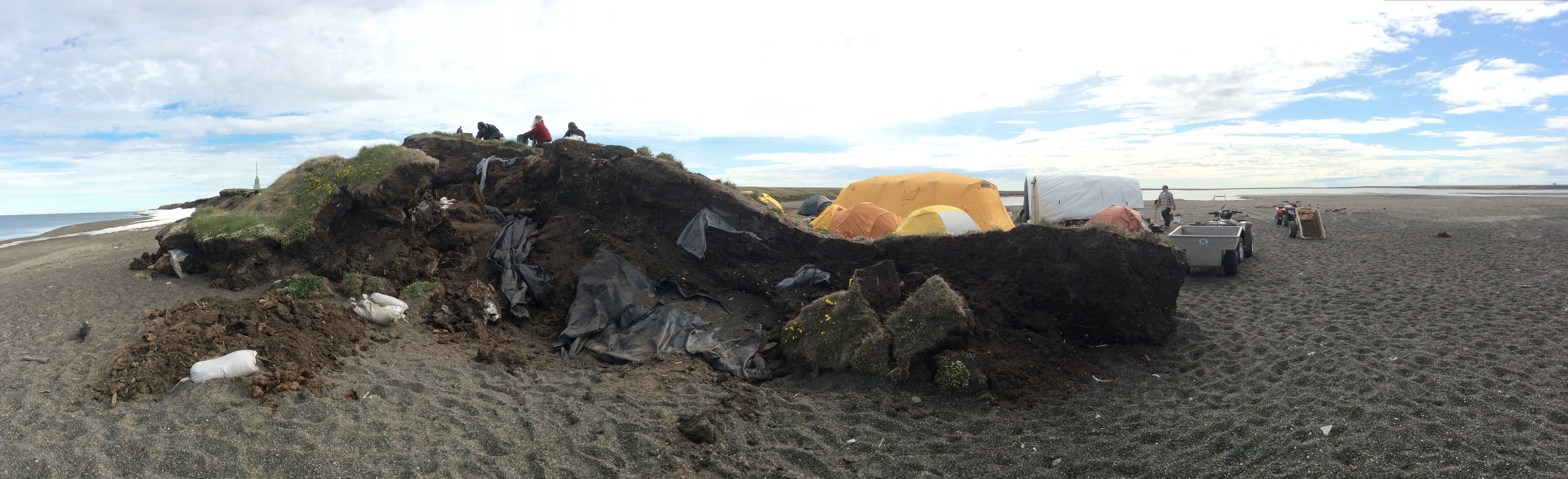 A panoramic image shows the eroding Walakpa site as it is excavated this past July southwest of Utqiaġvik. (UIC Science)