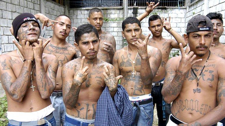 Los integrantes de las maras salvadoreñas se tatúan el cuerpo como señal indentificatoria