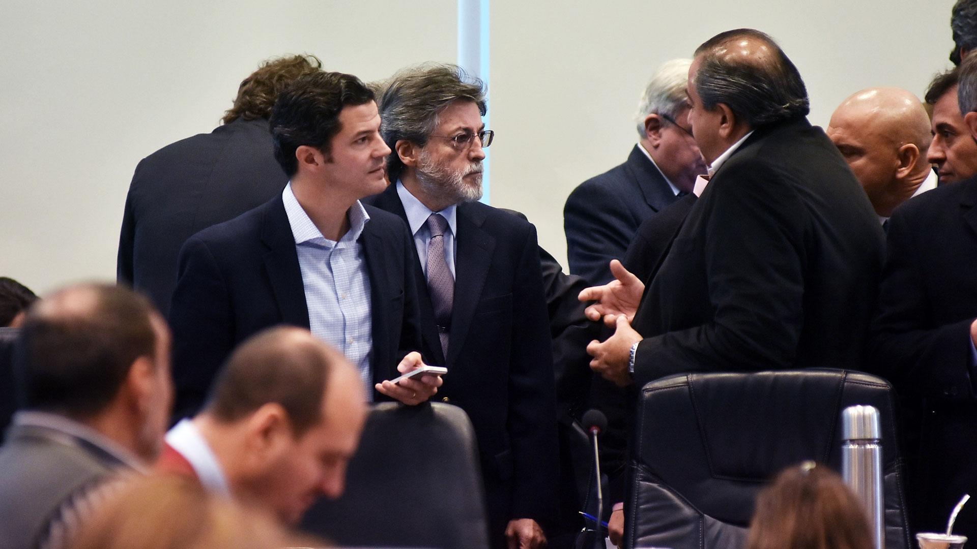 ALberto Abad (AFIP) y Luciano Laspina (Presidente de la Comisión de Presupuesto y Hacienda de la Cámara baja) explicaron los alcances de la medida (DyN)