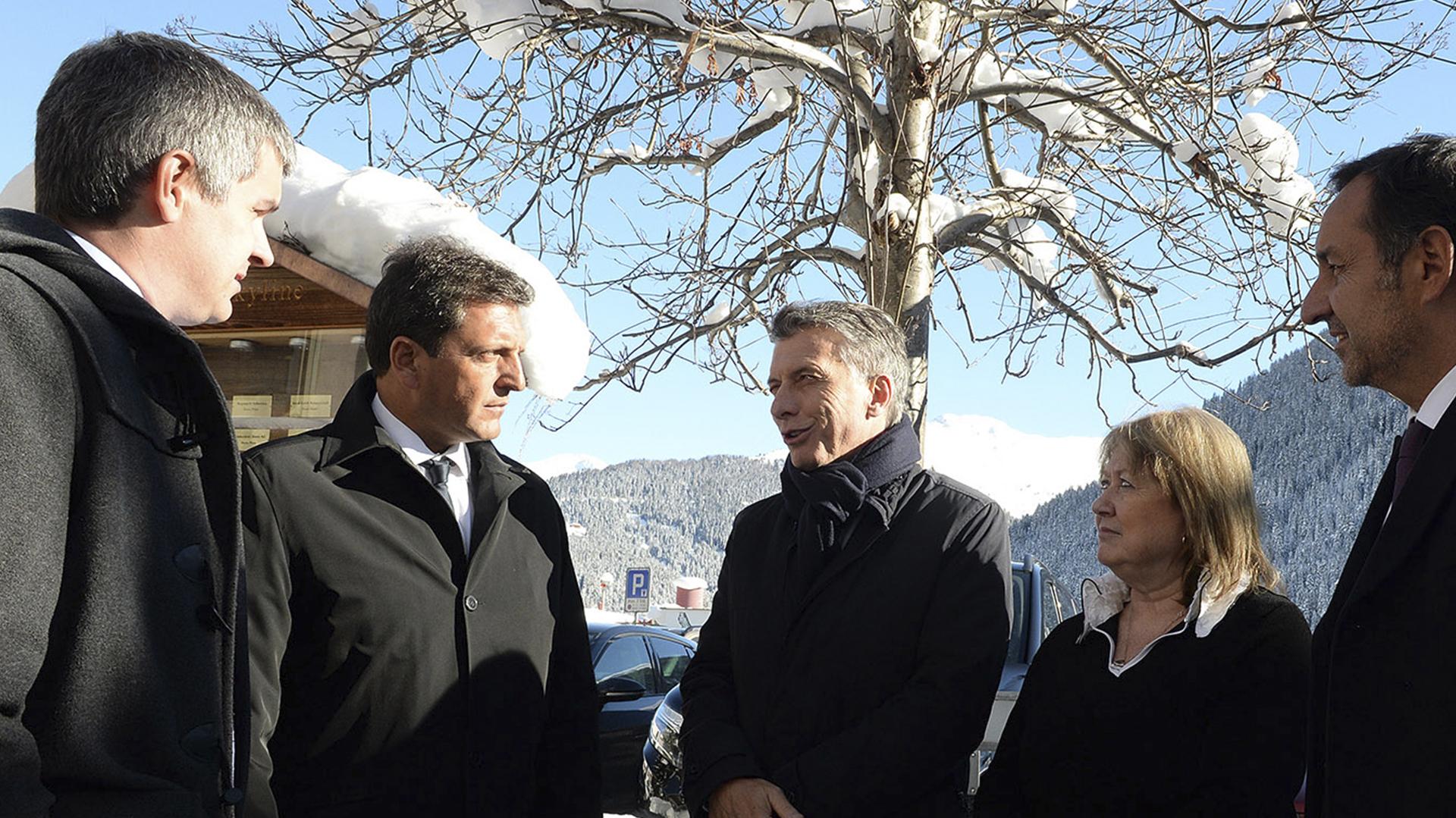 """Mauricio Macri y Sergio Massa compartieron gira en Davos en 2016. Allí el presidente """"nominó"""" a Massa como el líder del peronismo opositor"""