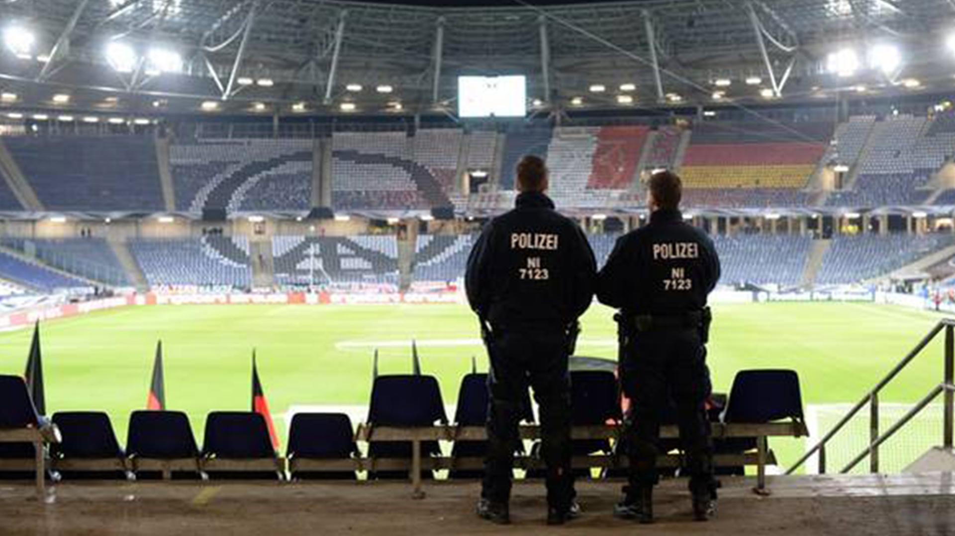 Seguridad en Estadios y Centros de Espectáculo DOCUMENTOP.COM