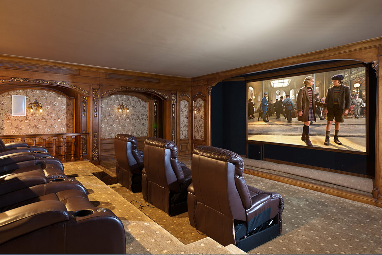 La sala de cine es uno de los tantos amenitiesque ofrece el hogar temporario de Neymar