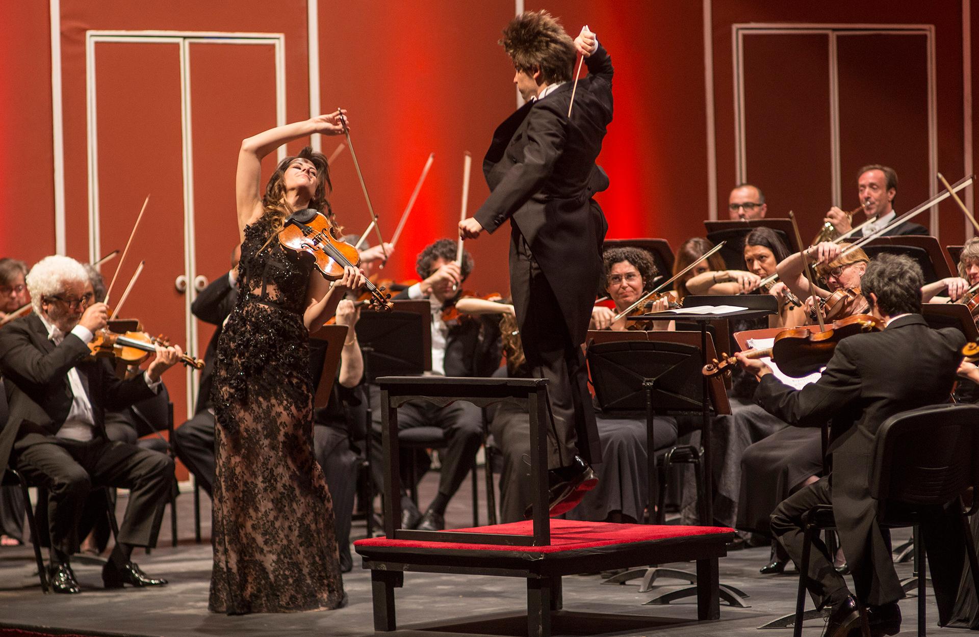 Dego y Rustioni: dos grandes talentos sobre el escenario del Teatro Coliseo, que fueron ovacionados de pie por el público