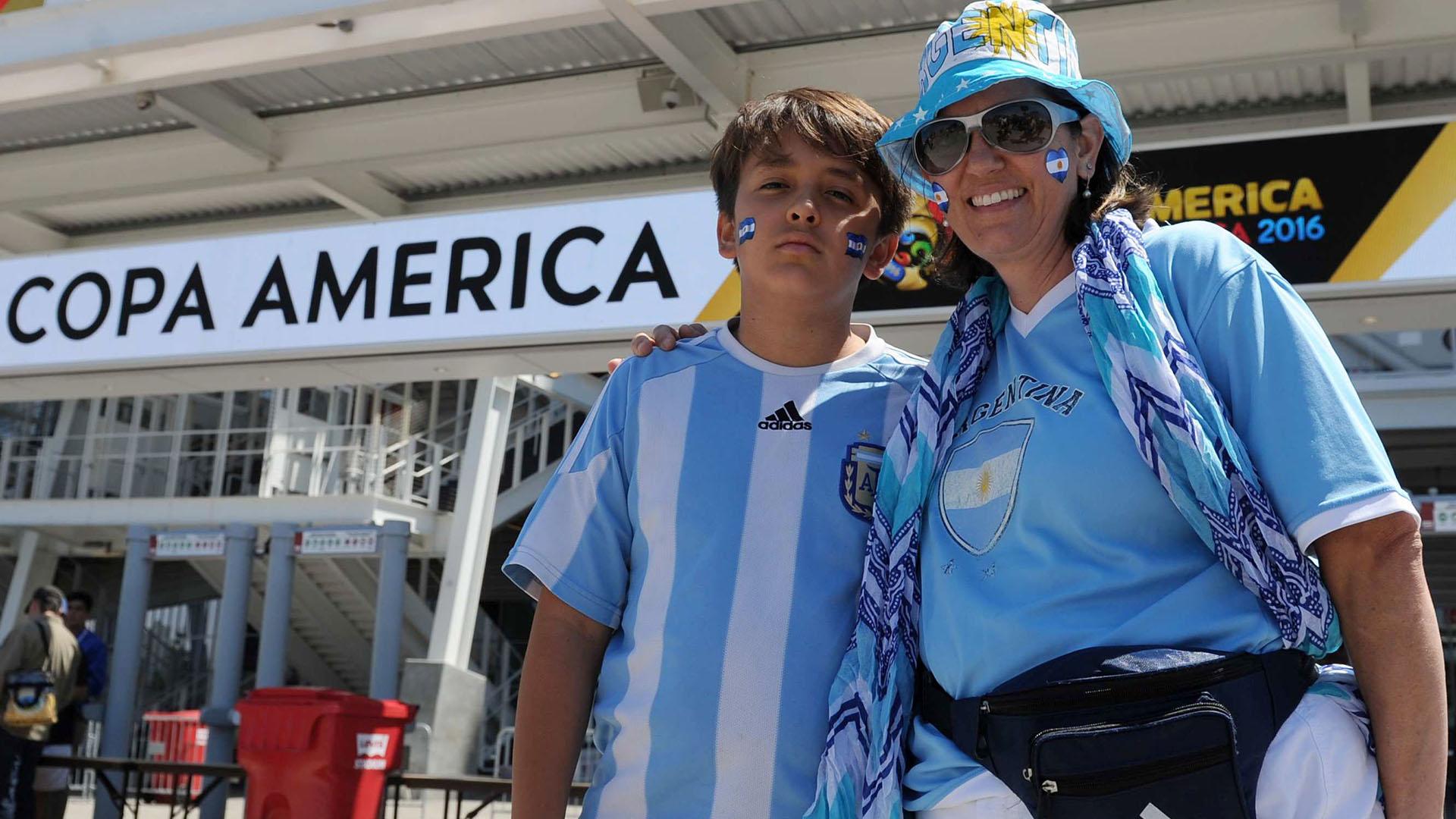 Los Hinchas Argentinos En La Previa Al Partido Infobae