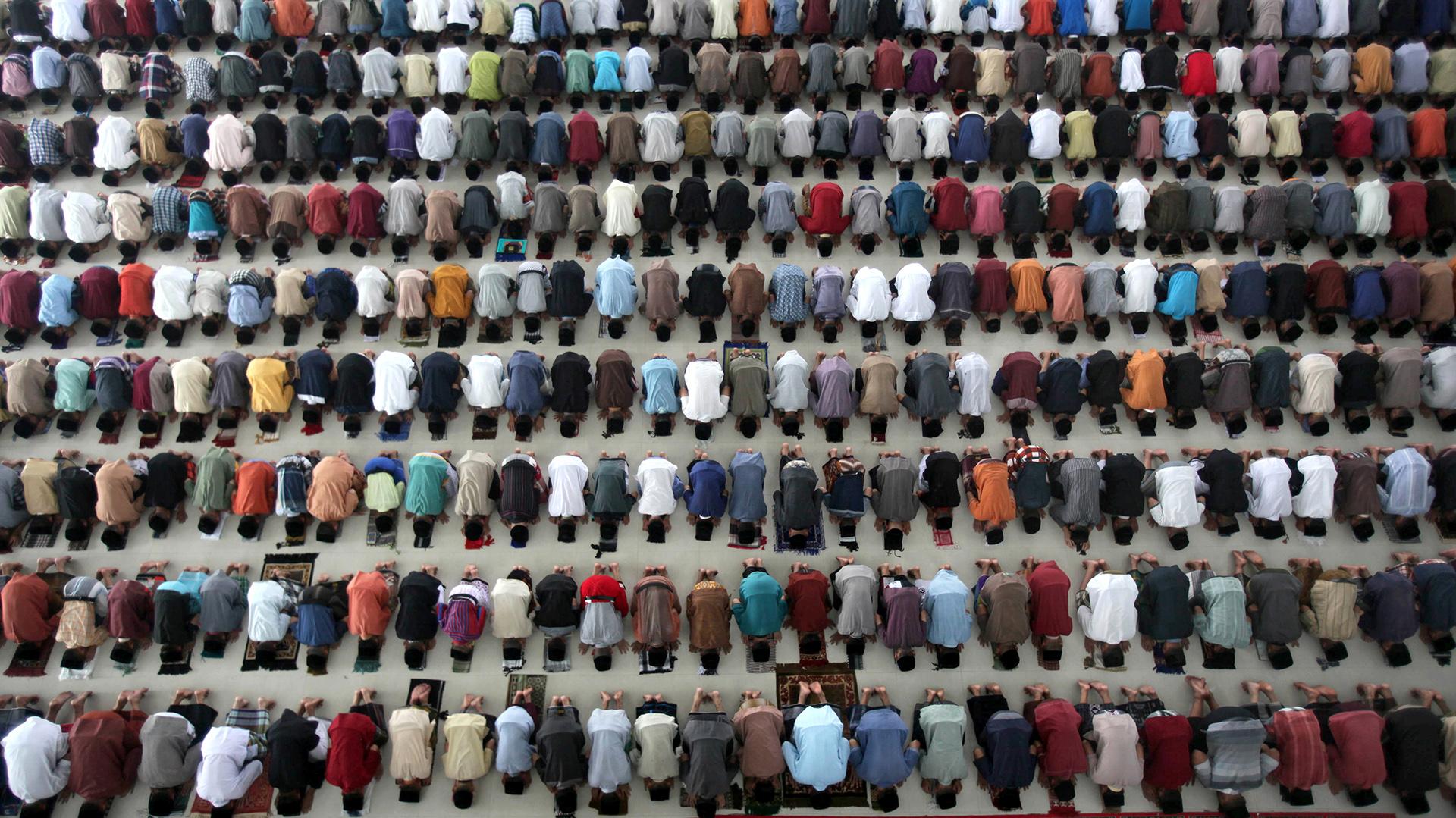 Ramadán es el noveno mes del calendario musulmán, conocido internacionalmente por ser el mes en el que los musulmanes, por su fe y por sus creencias, practican el ayuno diario desde el alba hasta que se pone el sol (AP)