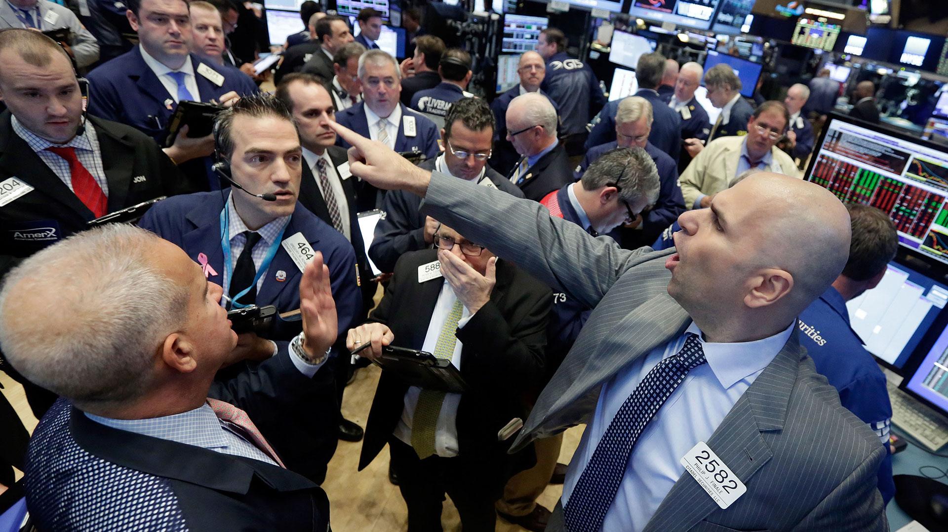 En EEUU subieron el Dow Jones (+1,31%), el S&P 500 (+0,88%) y el Nasdaq (+0,88%) (AP)