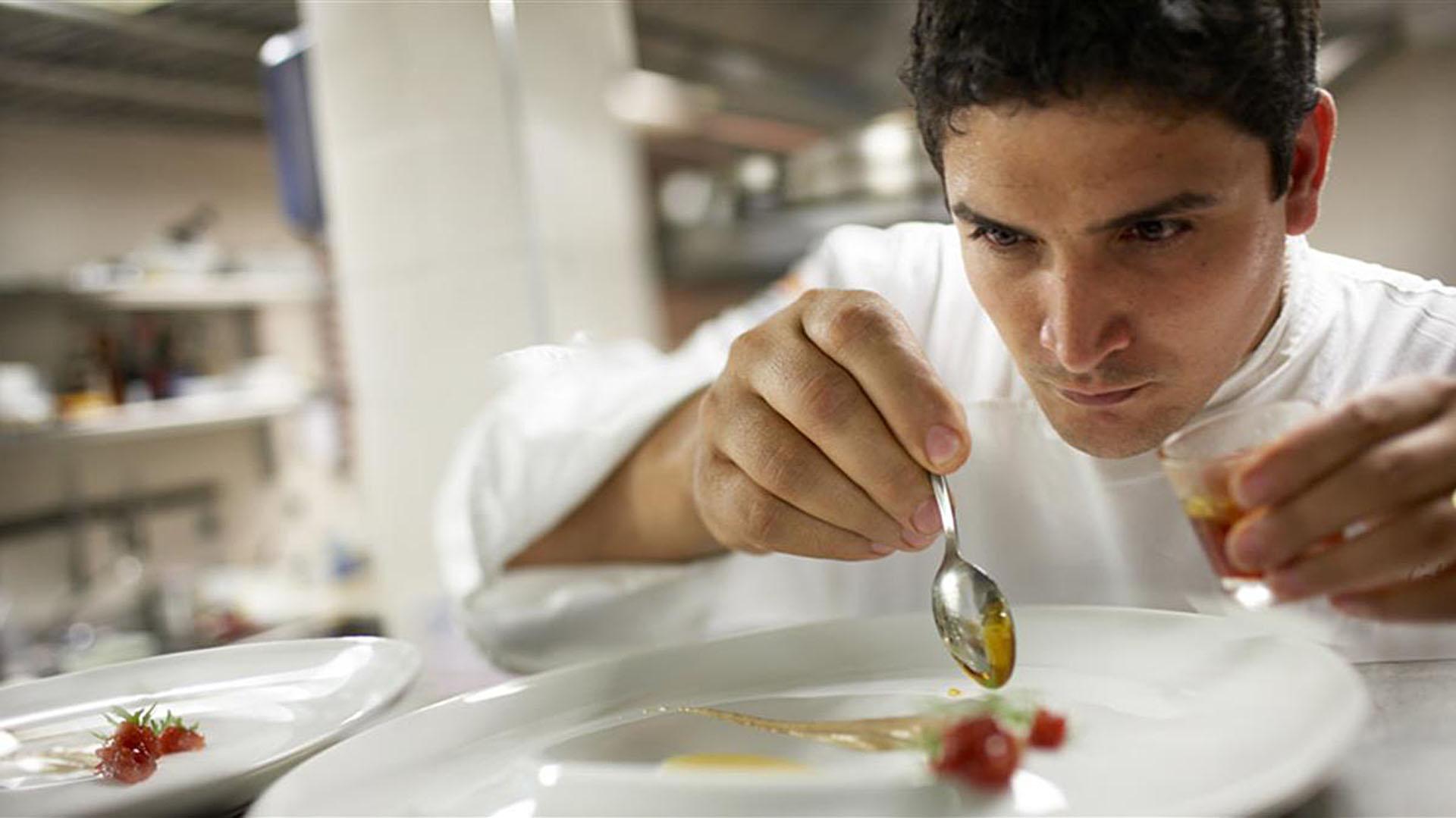 El chef oriundo de La Plata tiene su restaurante en la Costa Azul francesa y es el tercer mejorrestaurantedel mundo