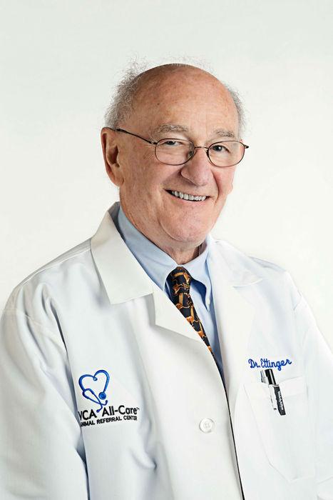 Stephen Ettinger realizó un doctorado de cardiología canina.
