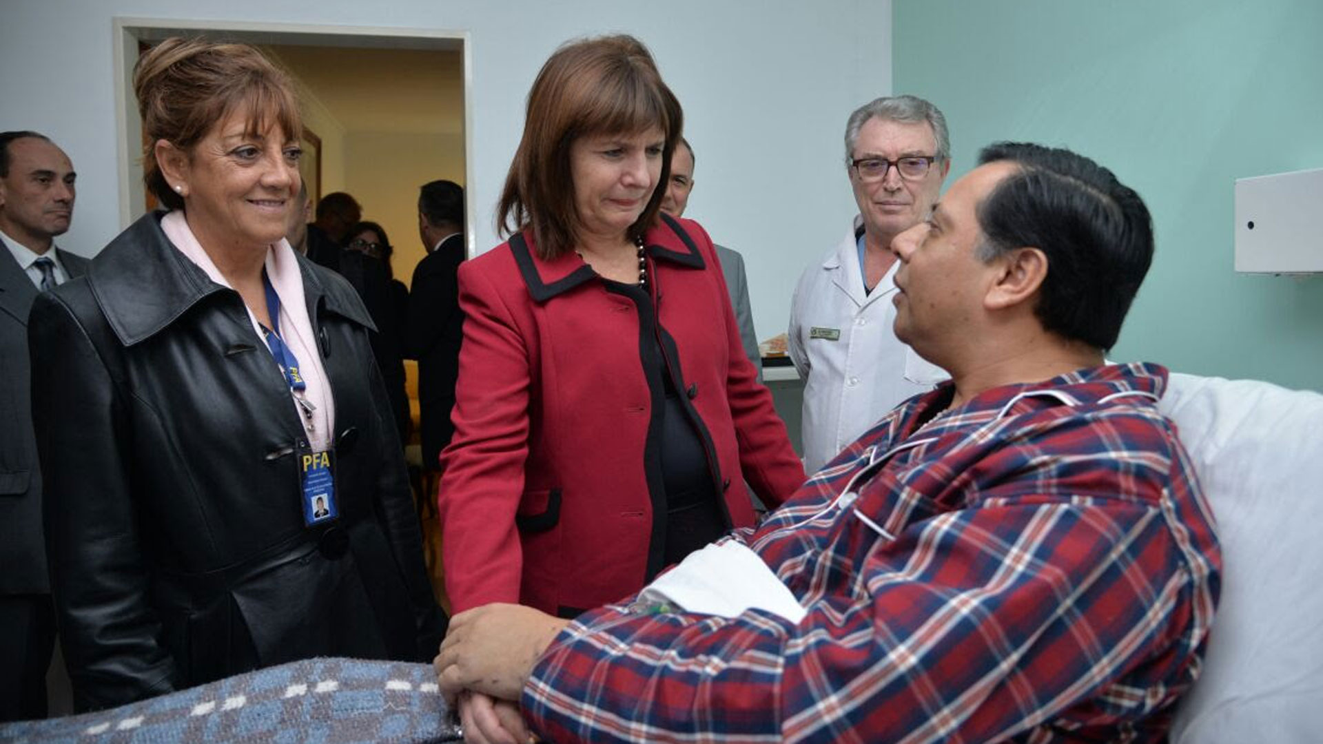Santos Díaz recibió en el hospital Churruca, donde peleó por su vida, las visitas del Presidente Mauricio Macri y la ministra de Seguridad de la Nación Patricia Bullrich