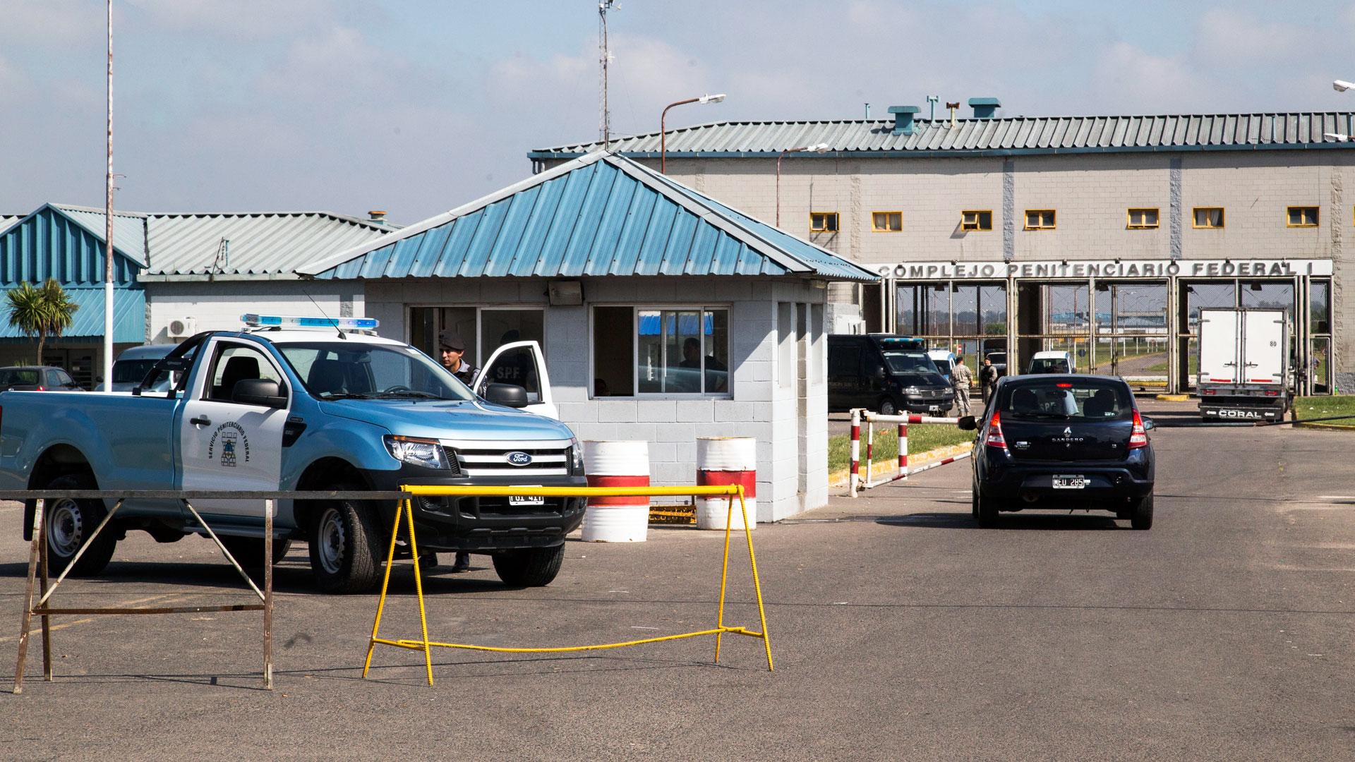 El complejo de Ezeiza está bajo jurisdicción del Servicio Penitenciario Federal y, por ende, del gobierno de Mauricio Macri. (NA)