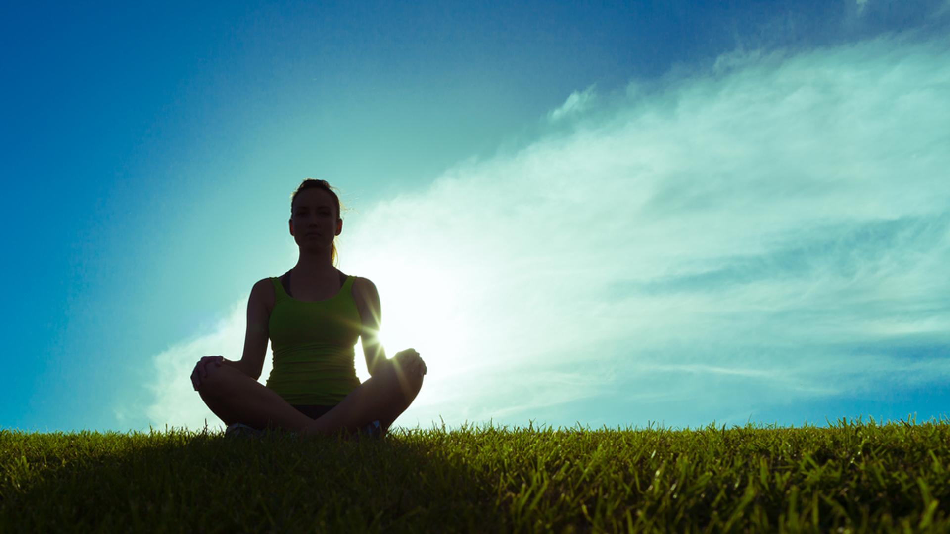 Los beneficios físicos y mentales del yoga son innumerables (Shuttersotck)