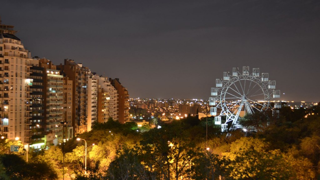 La Vuelta al Mundo está localizada en Parque Sarmiento, Córdoba