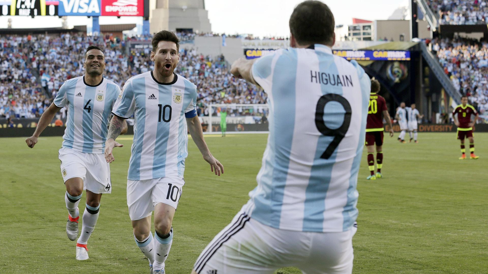 Lionel Messi y Gonzalo Higuaín
