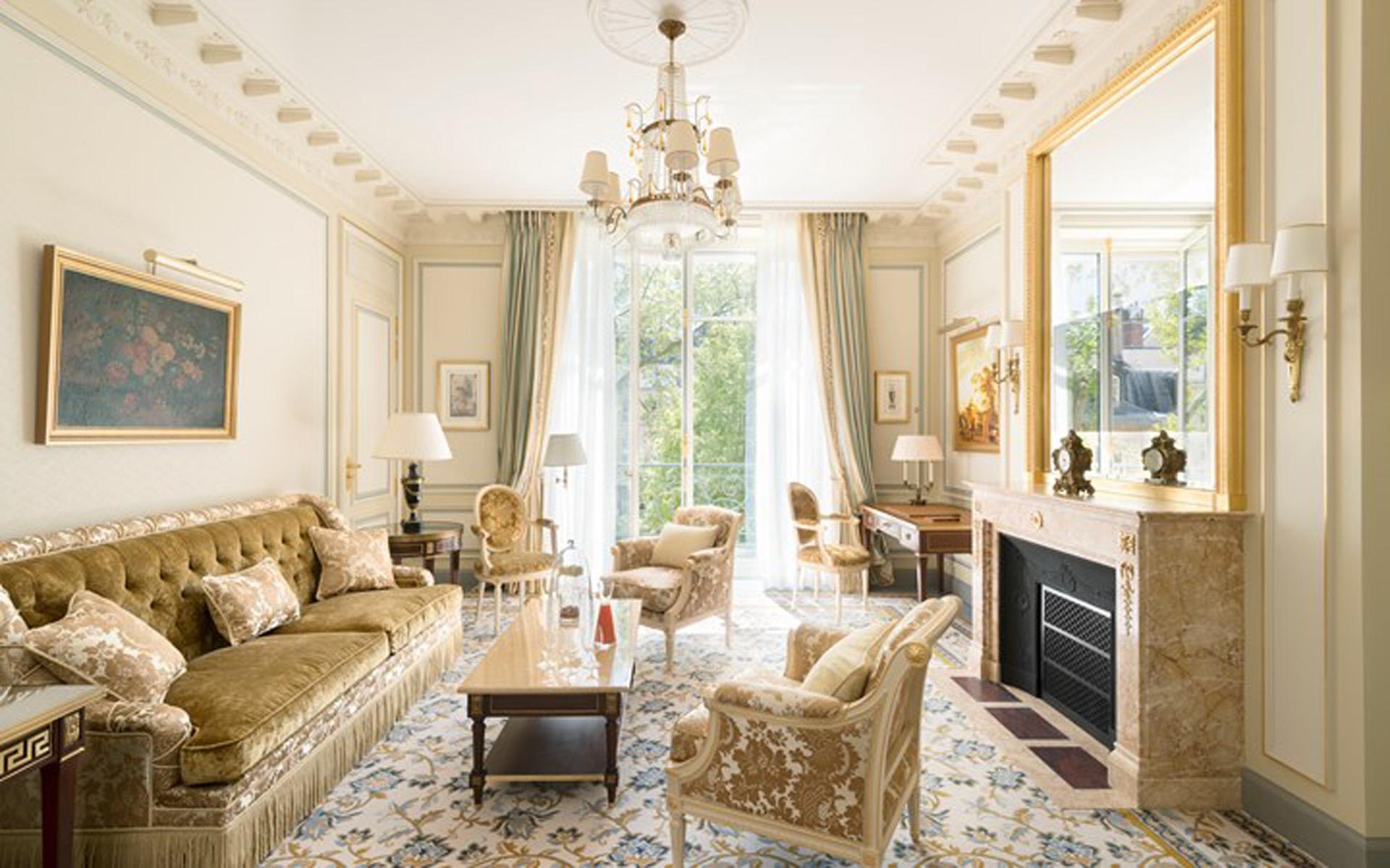 En cada habitación del Hotel Ritz de Paris se denota la elegancia de una refinada decoración