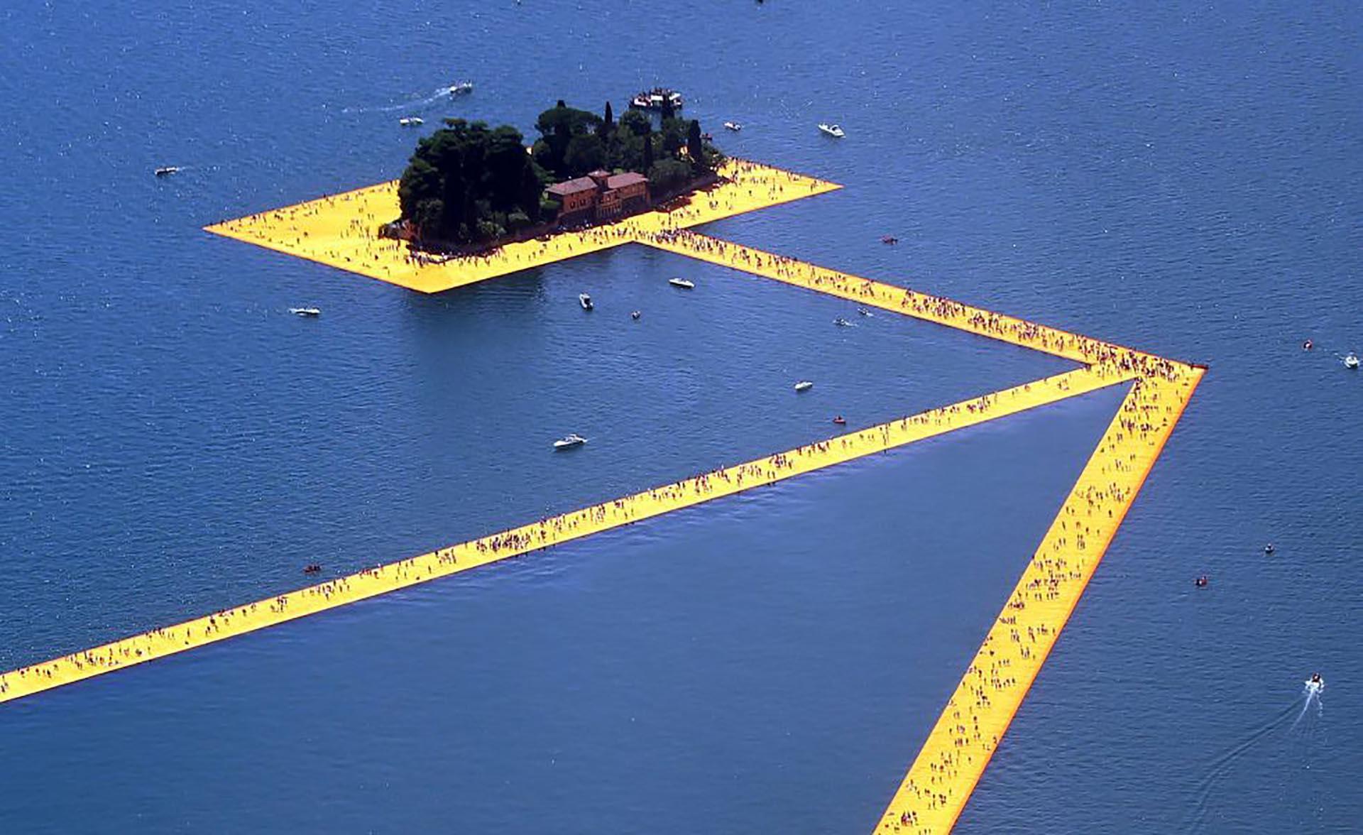 La obra de arte que permite caminar sobre el agua