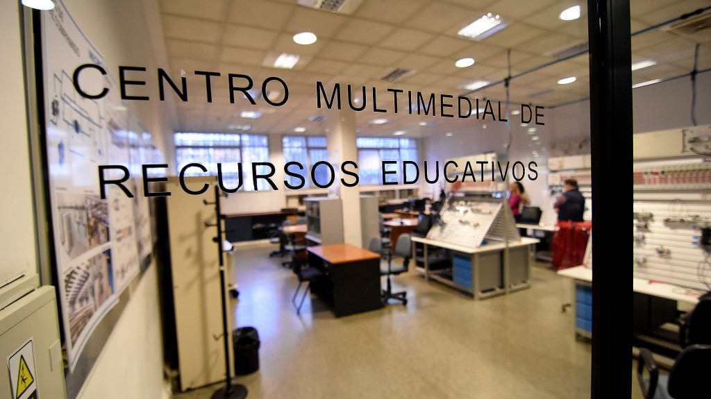 El INET depende del Ministerio de Educación de la Nación regula, trabaja y supervisa con las provincias la educación técnica profesional en la Argentina (Nicolás Stulberg)