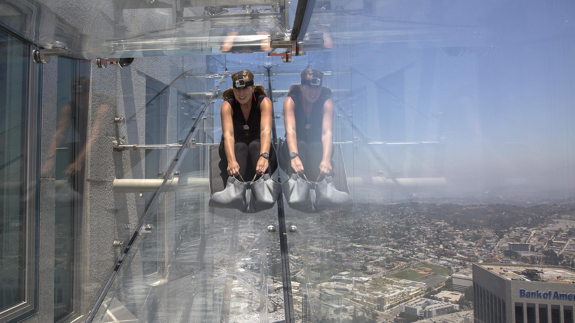 """Esta nueva atreacción lleva el nombre """"Skyslide"""", o """"tobogán del cielo"""", en español (AFP)"""
