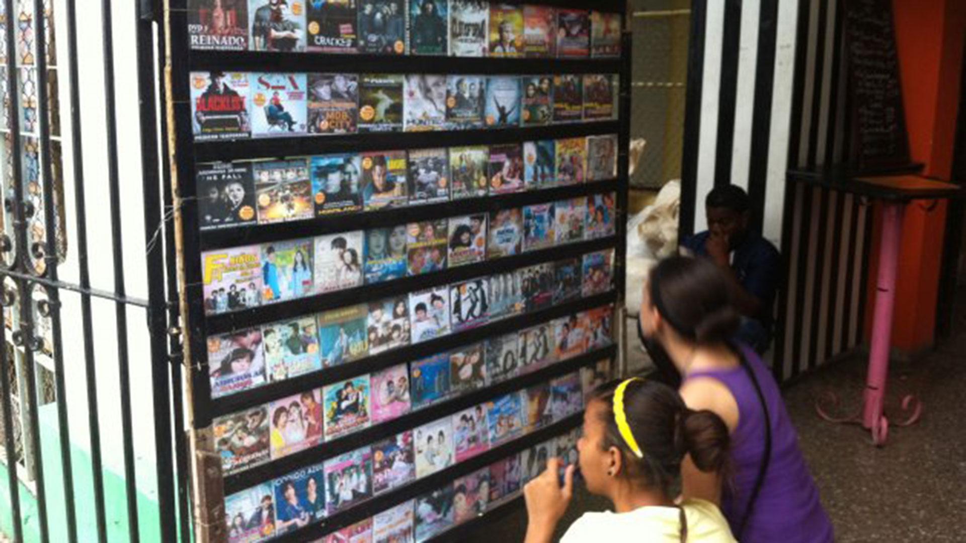 Los paquetes incluyen películas, programas de TV, juegos, música y publicidad