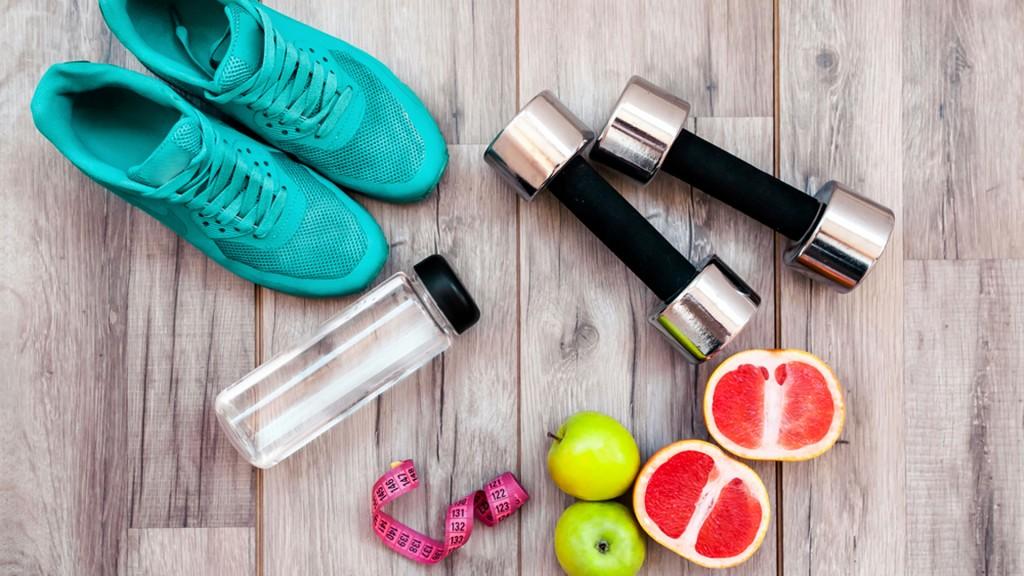 Una buena combinación entre comidas y ejercicio puede ayudar a reducir el riesgo de graves enfermedades(Shuttersotck)
