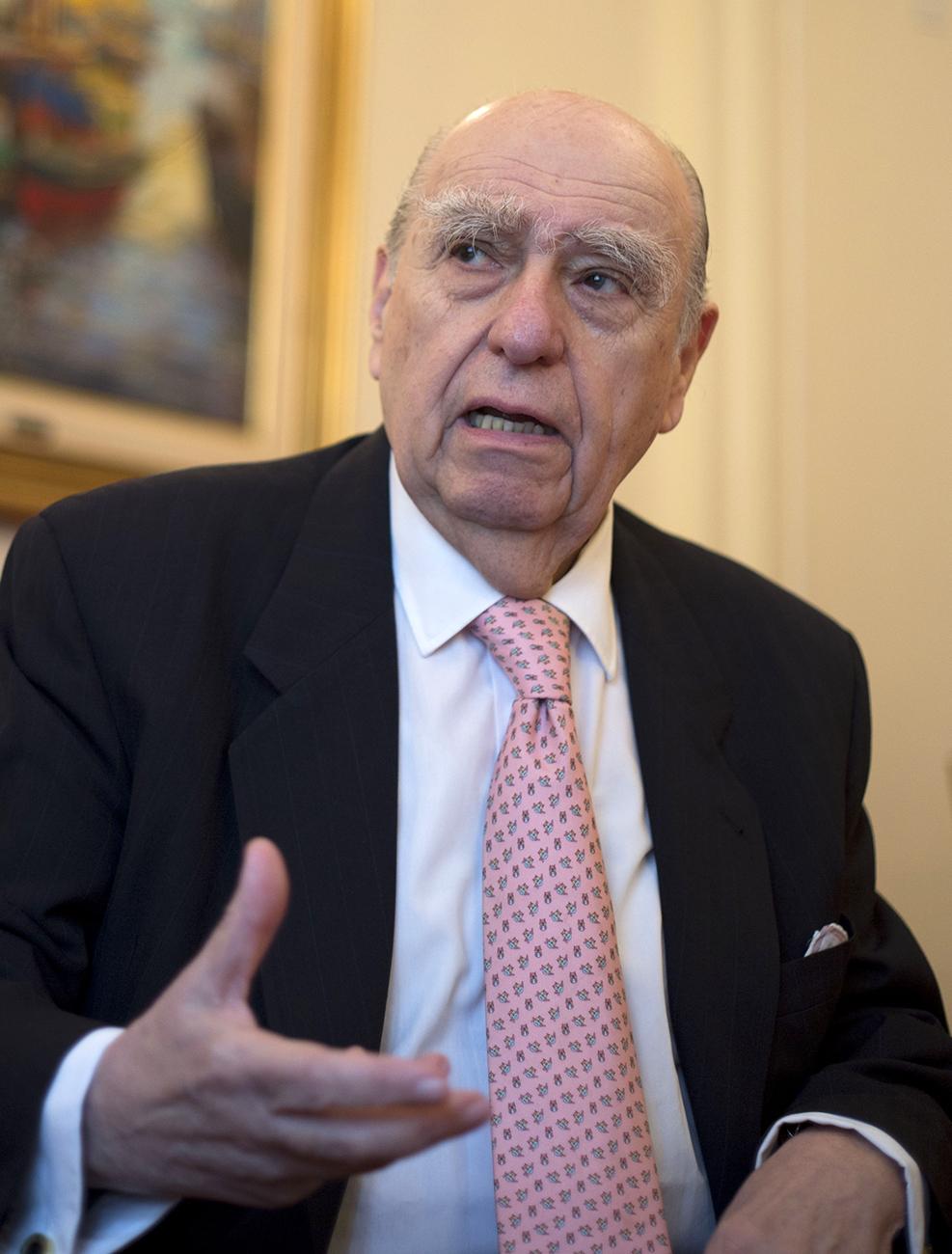Julio María Sanguinetti (NA)