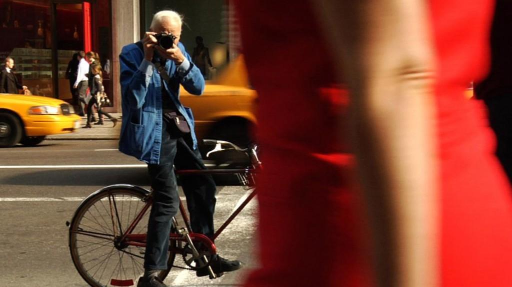 Bill Cunningham fue una leyenda viviente de la fotografía de moda en la calle (Zeitgeist Films)