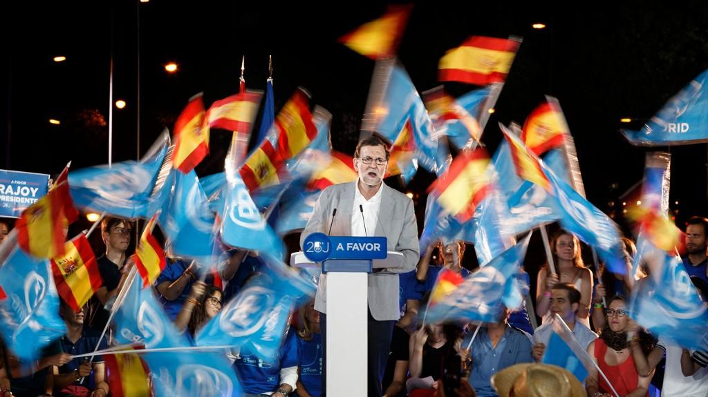 El Partido Popular, encabezado por el mandatario Mariano Rajoy, se impuso en las elecciones legislativas de España pero no le alcanzó para formar gobierno (AP)